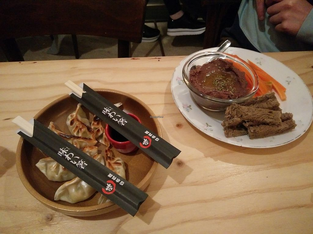 """Photo of La Camelia Vegan Bar  by <a href=""""/members/profile/martinicontomate"""">martinicontomate</a> <br/>meals <br/> March 17, 2018  - <a href='/contact/abuse/image/57833/372141'>Report</a>"""