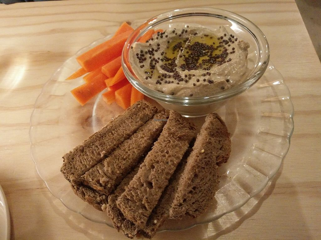 """Photo of La Camelia Vegan Bar  by <a href=""""/members/profile/martinicontomate"""">martinicontomate</a> <br/>la camelia dip with carrots and bread <br/> March 17, 2018  - <a href='/contact/abuse/image/57833/372144'>Report</a>"""