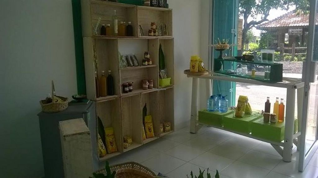 """Photo of Canggu Shop  by <a href=""""/members/profile/community"""">community</a> <br/>Canggu Shop <br/> May 2, 2015  - <a href='/contact/abuse/image/57987/100908'>Report</a>"""