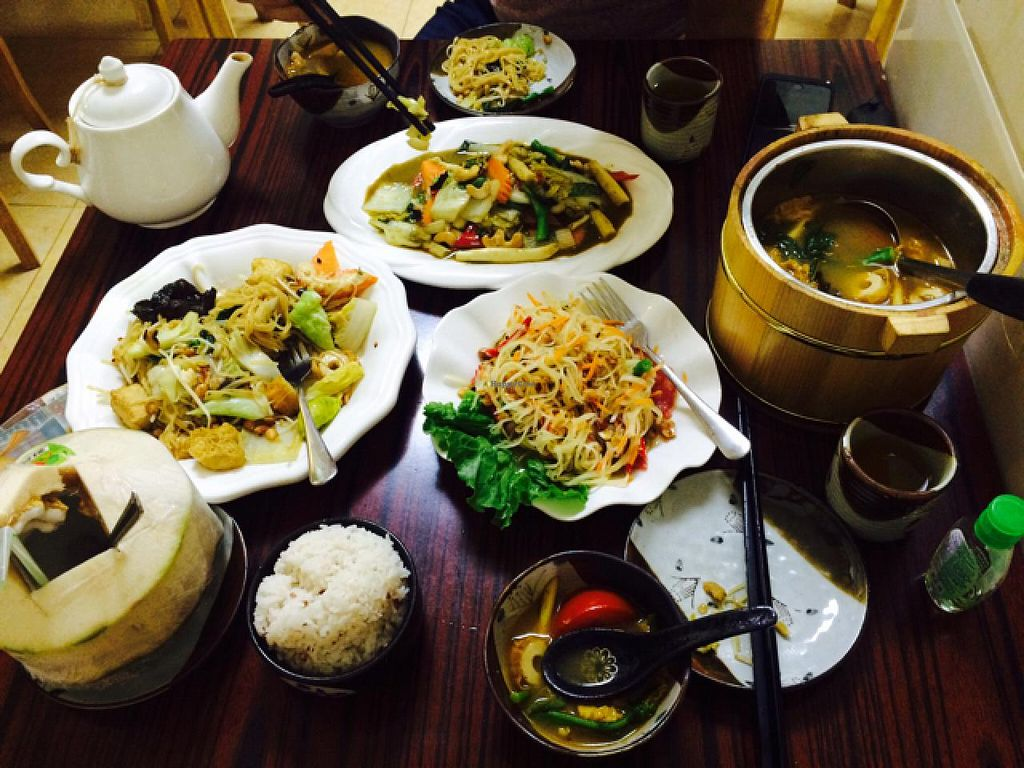 "Photo of On Thai Loi  by <a href=""/members/profile/drunkentiger"">drunkentiger</a> <br/>tomyang Kung,pat tai , papaya salad, green curry and fresh young coconut  <br/> June 20, 2015  - <a href='/contact/abuse/image/58026/106580'>Report</a>"