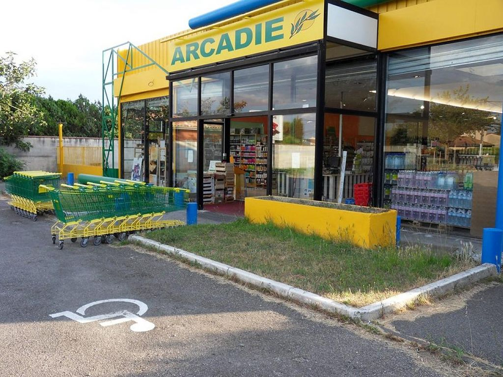 """Photo of Aubio Arcadie  by <a href=""""/members/profile/community"""">community</a> <br/>Aubio Arcadie <br/> May 7, 2015  - <a href='/contact/abuse/image/58118/101572'>Report</a>"""