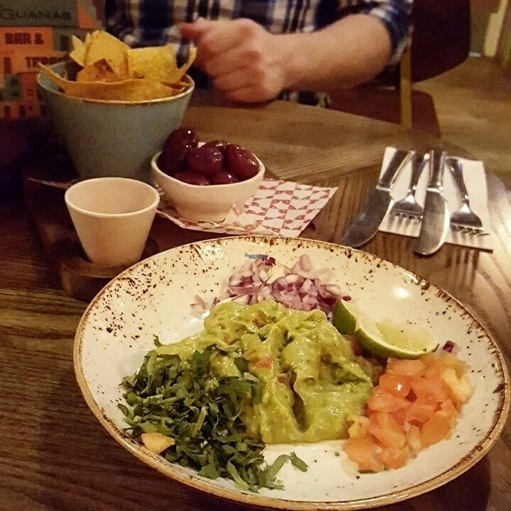 """Photo of Las Iguanas  by <a href=""""/members/profile/Misscakeup"""">Misscakeup</a> <br/>Holy Guacamole starter <br/> April 2, 2017  - <a href='/contact/abuse/image/58142/244076'>Report</a>"""