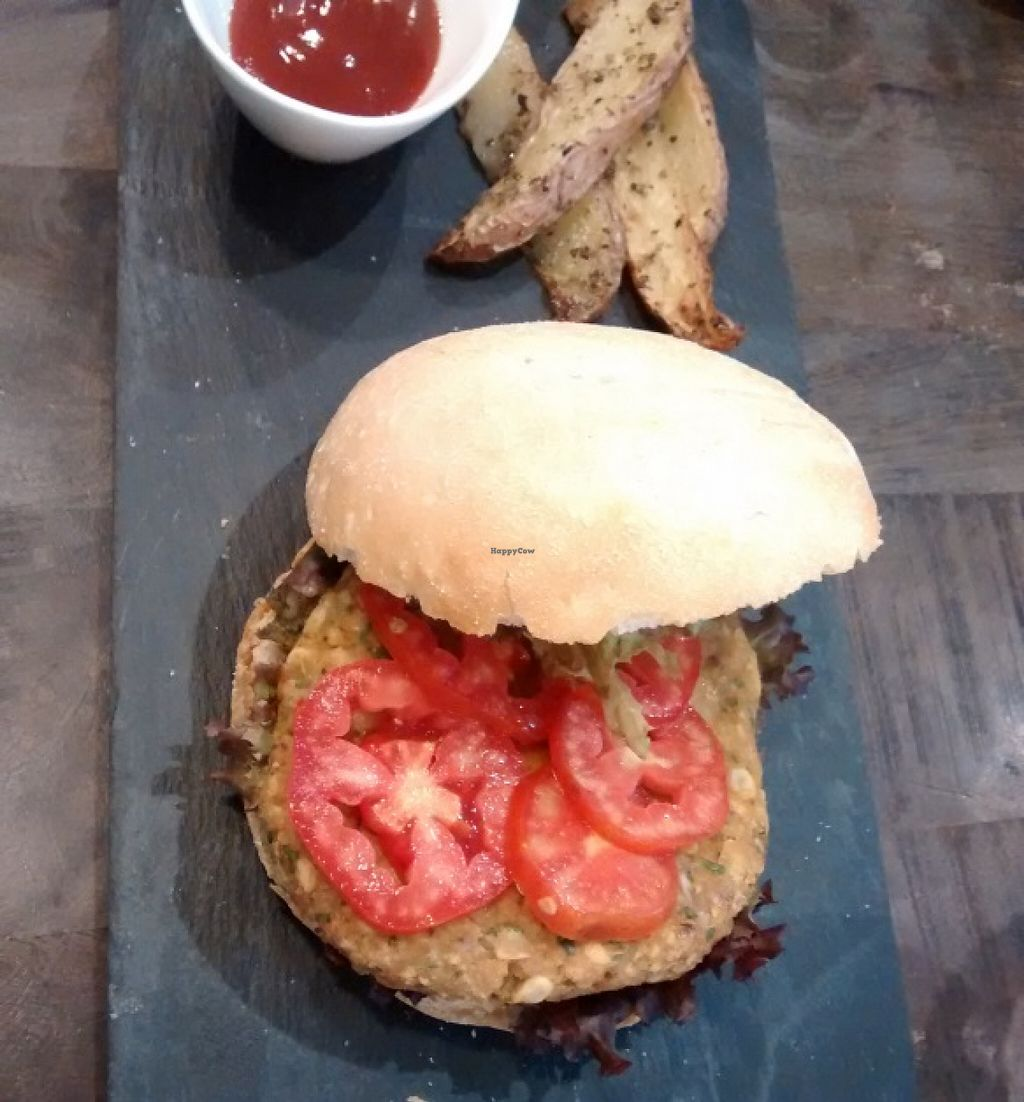 """Photo of CLOSED: Botanique  by <a href=""""/members/profile/LeFunks"""">LeFunks</a> <br/>Main courses / Veggie burger with potato wedges <br/> January 15, 2016  - <a href='/contact/abuse/image/58150/132466'>Report</a>"""