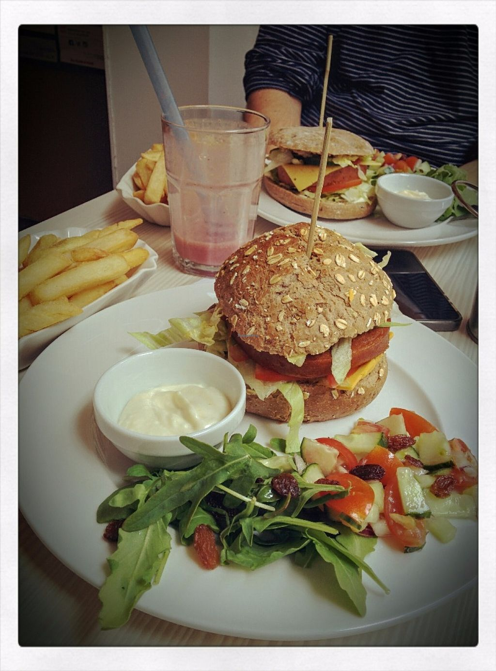 """Photo of Daantje  by <a href=""""/members/profile/Dubi_Hubi"""">Dubi_Hubi</a> <br/>The McCartney XL & The Big BB King burger <br/> June 18, 2016  - <a href='/contact/abuse/image/58152/154701'>Report</a>"""