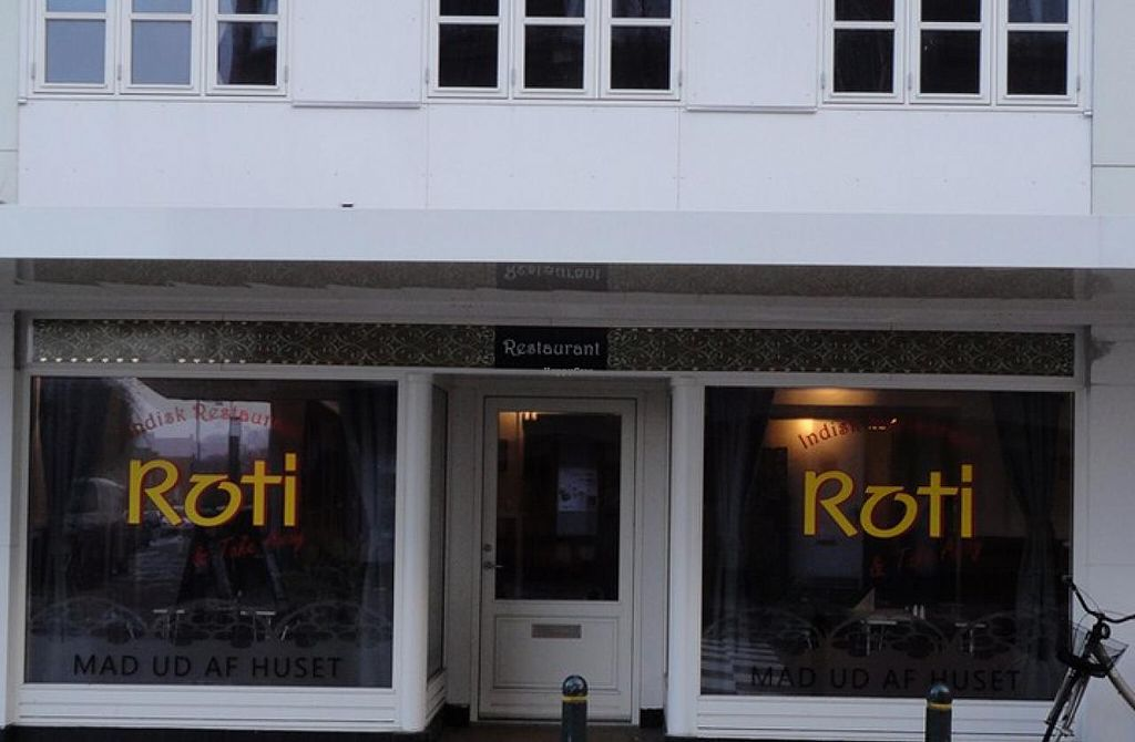 "Photo of Roti Indian  by <a href=""/members/profile/community"">community</a> <br/>Roti Indian <br/> May 8, 2015  - <a href='/contact/abuse/image/58201/101657'>Report</a>"