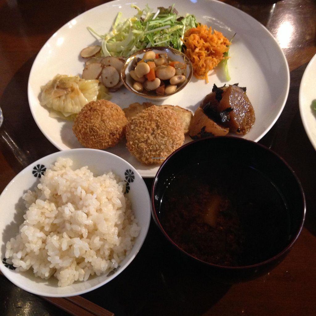 "Photo of Sora Iro Maga Tama  by <a href=""/members/profile/FruitMonstar"">FruitMonstar</a> <br/>Vegan lunch plate for 1,290 yen <br/> February 27, 2016  - <a href='/contact/abuse/image/58211/137927'>Report</a>"