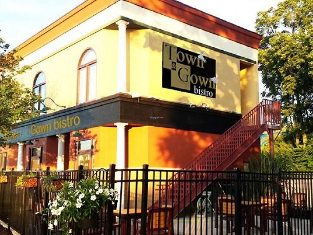 """Photo of Town and Gown Bistro  by <a href=""""/members/profile/community"""">community</a> <br/>Town and Gown Bistro <br/> May 13, 2015  - <a href='/contact/abuse/image/58352/199903'>Report</a>"""