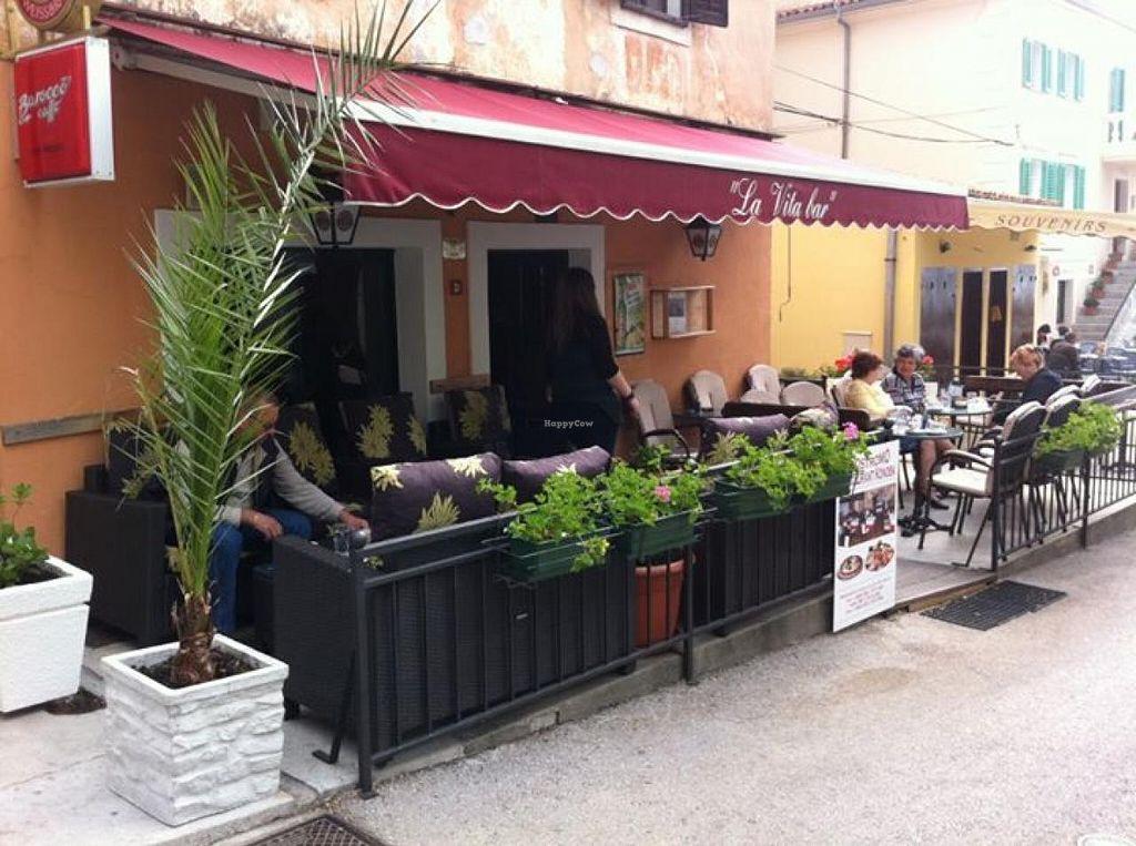 "Photo of La Vita Fruit and Food Bar  by <a href=""/members/profile/community"">community</a> <br/>La Vita Fruit and Food Bar <br/> June 2, 2015  - <a href='/contact/abuse/image/58390/104556'>Report</a>"