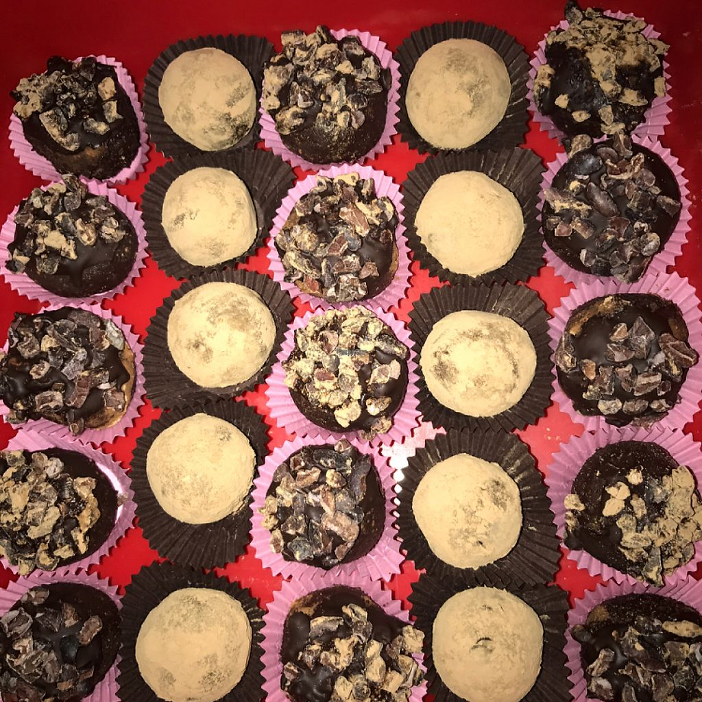"""Photo of The Health Workshop  by <a href=""""/members/profile/Aliblue"""">Aliblue</a> <br/>raw, vegan chocolate truffles ? <br/> November 17, 2016  - <a href='/contact/abuse/image/58473/191469'>Report</a>"""