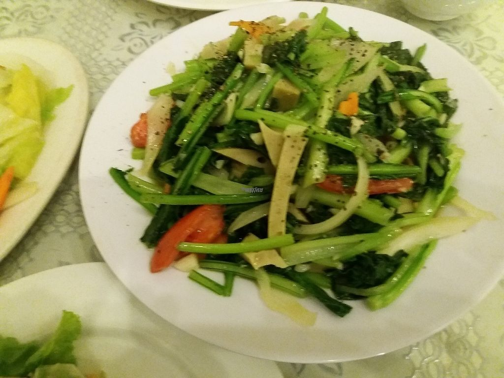 """Photo of Loving Hut - Chua Lang  by <a href=""""/members/profile/veganvirtues"""">veganvirtues</a> <br/>Fried noodles with vegetablese <br/> December 22, 2016  - <a href='/contact/abuse/image/58621/203944'>Report</a>"""