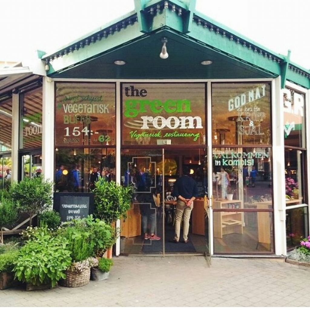 """Photo of The Green Room  by <a href=""""/members/profile/Sandiqt"""">Sandiqt</a> <br/>In case you've trouble finding it, this is what the restaurant looks like from outside! <br/> November 17, 2015  - <a href='/contact/abuse/image/58770/125310'>Report</a>"""