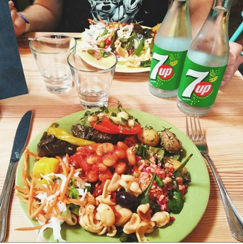 """Photo of The Green Room  by <a href=""""/members/profile/Sandiqt"""">Sandiqt</a> <br/>Drooling yet? <br/> November 17, 2015  - <a href='/contact/abuse/image/58770/125311'>Report</a>"""