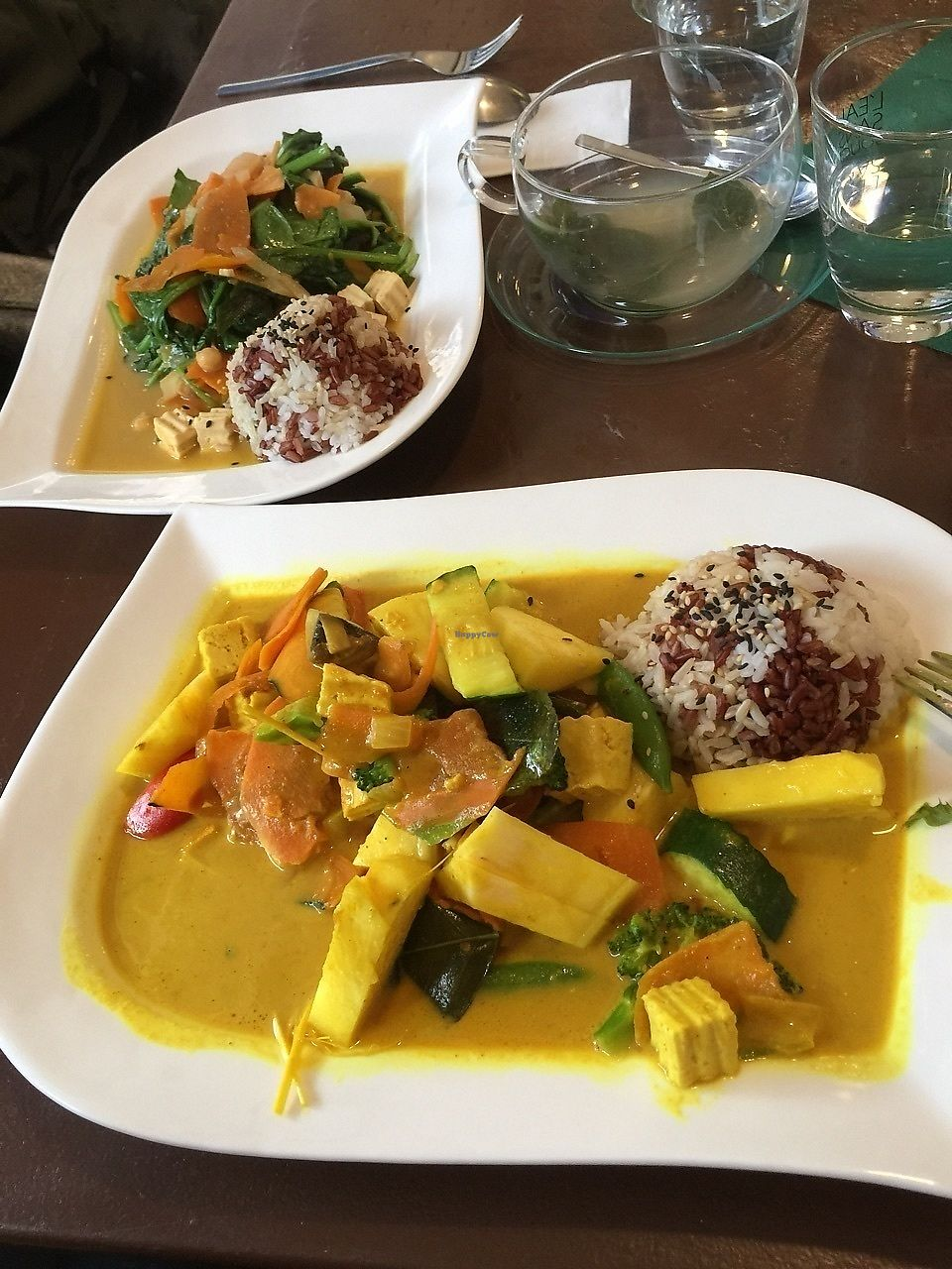 "Photo of Velvet Leaf  by <a href=""/members/profile/Cassidy13K"">Cassidy13K</a> <br/>Delicious, cheap and super healthy ananas curry and spinach dish with a side of mixed kinds of rice and tasty tea <br/> November 14, 2017  - <a href='/contact/abuse/image/58841/325627'>Report</a>"