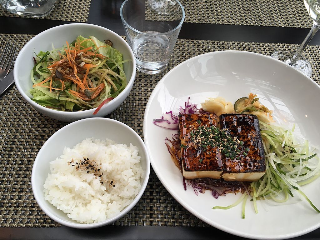"""Photo of Hoku  by <a href=""""/members/profile/Pitaya"""">Pitaya</a> <br/>vegan tofu dish - very good! <br/> August 20, 2017  - <a href='/contact/abuse/image/58909/294814'>Report</a>"""