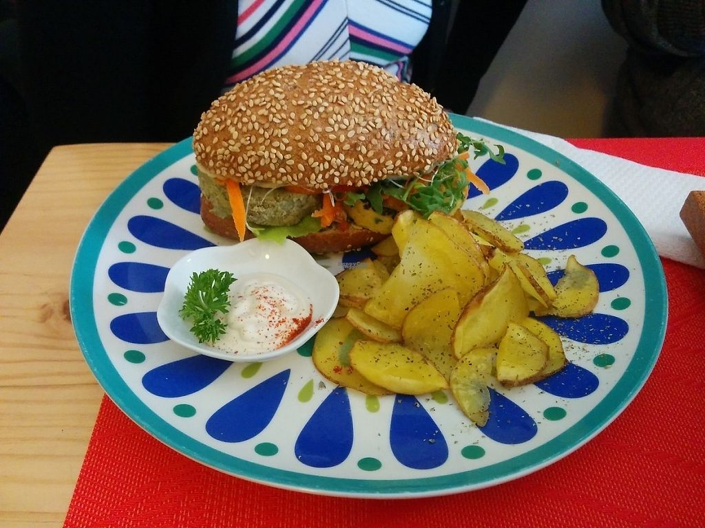 """Photo of CLOSED: La Chakra  by <a href=""""/members/profile/Sandro%20Zara"""">Sandro Zara</a> <br/>Two different small burgers in a seed bread with potatoes and vegan mayonnaise <br/> December 9, 2016  - <a href='/contact/abuse/image/58930/198649'>Report</a>"""