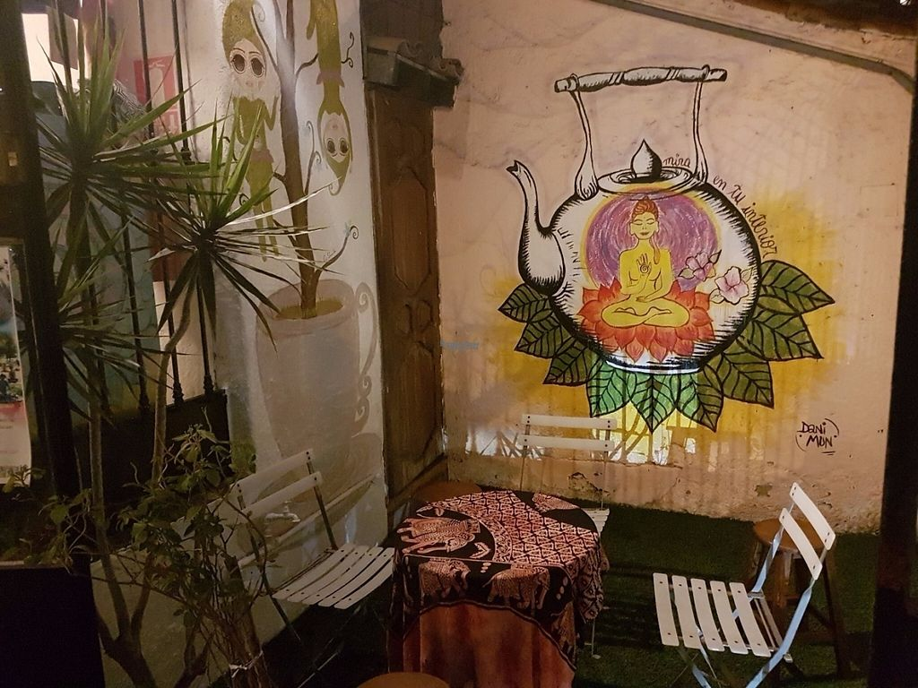 """Photo of El Jardin de Jazmin  by <a href=""""/members/profile/C-Otto"""">C-Otto</a> <br/>Table outside <br/> November 6, 2016  - <a href='/contact/abuse/image/58946/187033'>Report</a>"""