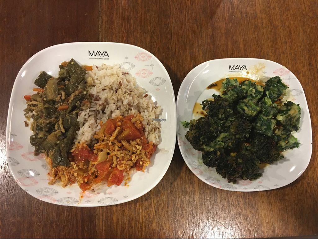 """Photo of Maya Mall - Veg Food Stall  by <a href=""""/members/profile/SEK"""">SEK</a> <br/>So so good! The dish on the right is fried steamed garlic.   <br/> August 18, 2016  - <a href='/contact/abuse/image/59005/169594'>Report</a>"""