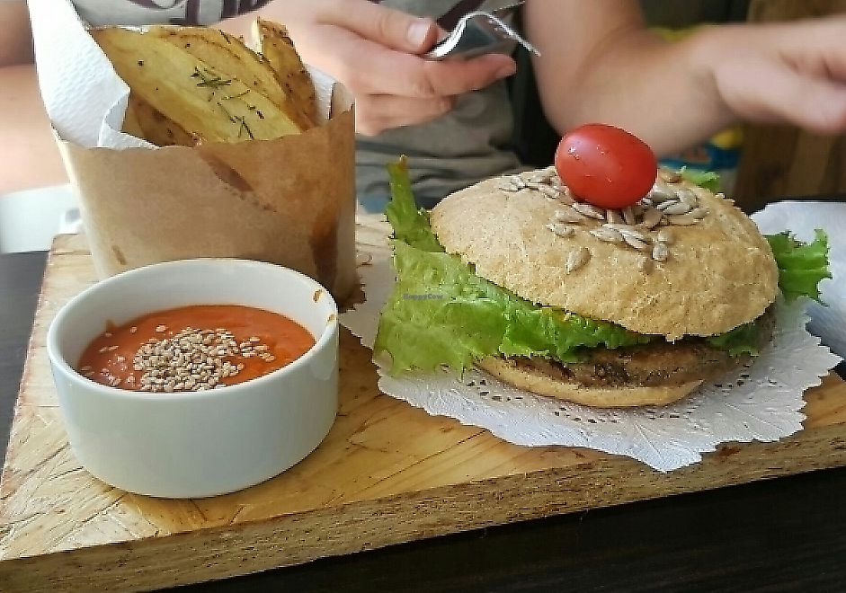 """Photo of Alma Dorica  by <a href=""""/members/profile/NatalieMayer"""">NatalieMayer</a> <br/>yummy vegan burger! <br/> December 2, 2016  - <a href='/contact/abuse/image/59035/287389'>Report</a>"""