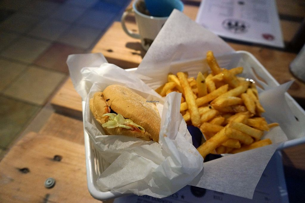"Photo of Brooklyn Burger Joint  by <a href=""/members/profile/Ricardo"">Ricardo</a> <br/>Vegan seitan burger w/fries <br/> September 20, 2017  - <a href='/contact/abuse/image/59111/306339'>Report</a>"