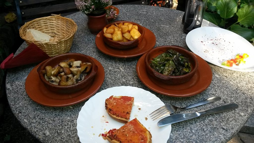 "Photo of Spanischer Garten  by <a href=""/members/profile/10littleOrcs"">10littleOrcs</a> <br/>vegane Tapas <br/> October 11, 2015  - <a href='/contact/abuse/image/59141/120948'>Report</a>"