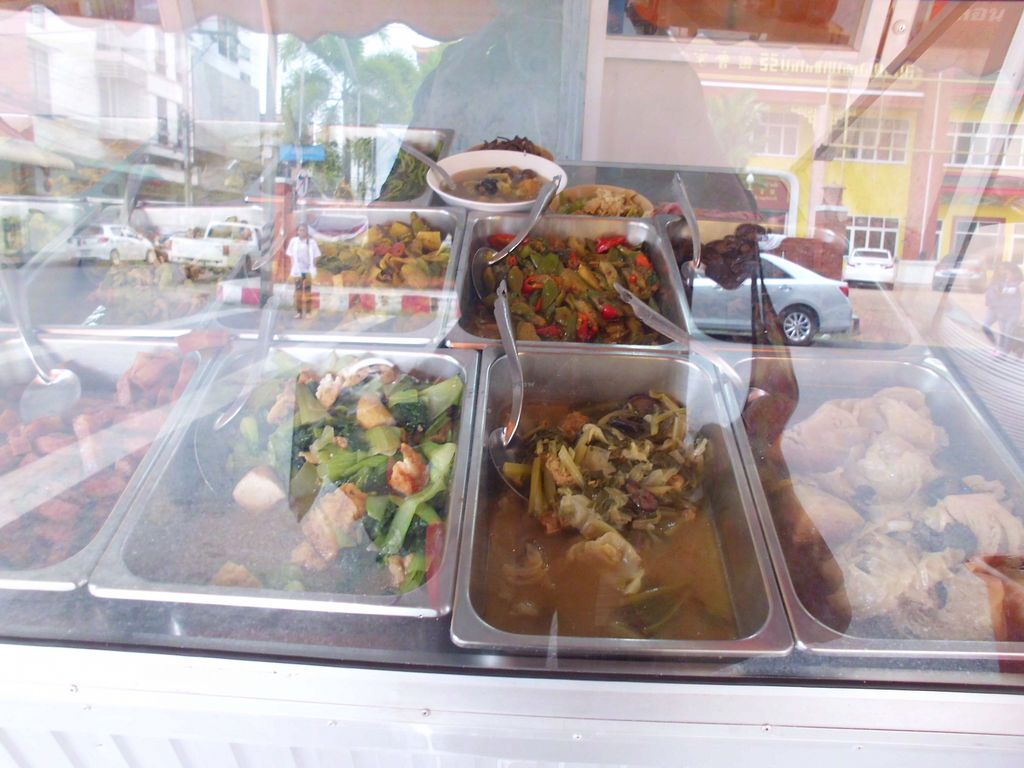 """Photo of CLOSED: Num Heng Vegetarian - Thanon Sheutt  by <a href=""""/members/profile/Maros"""">Maros</a> <br/>A food offer <br/> August 22, 2017  - <a href='/contact/abuse/image/59142/295580'>Report</a>"""