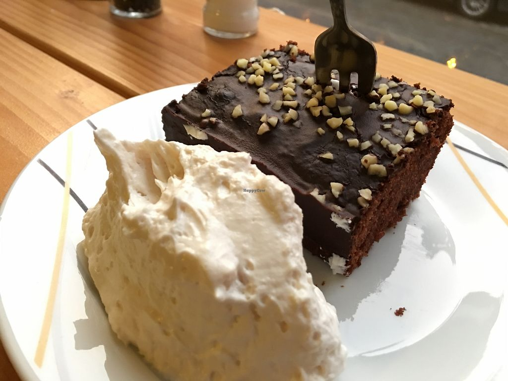"""Photo of CLOSED: Veganerie Mundgruen   by <a href=""""/members/profile/marky_mark"""">marky_mark</a> <br/>cake!  ;)  <br/> January 5, 2016  - <a href='/contact/abuse/image/59178/131121'>Report</a>"""