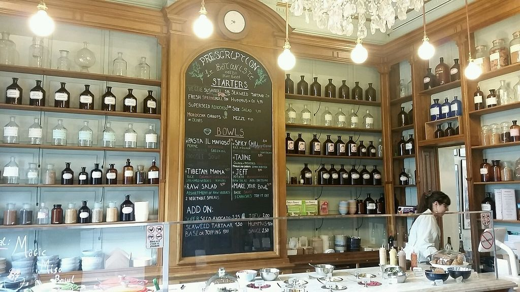 """Photo of Le Botaniste  by <a href=""""/members/profile/NJ220"""">NJ220</a> <br/>Le Bontaniste entrance <br/> September 23, 2017  - <a href='/contact/abuse/image/59241/307386'>Report</a>"""