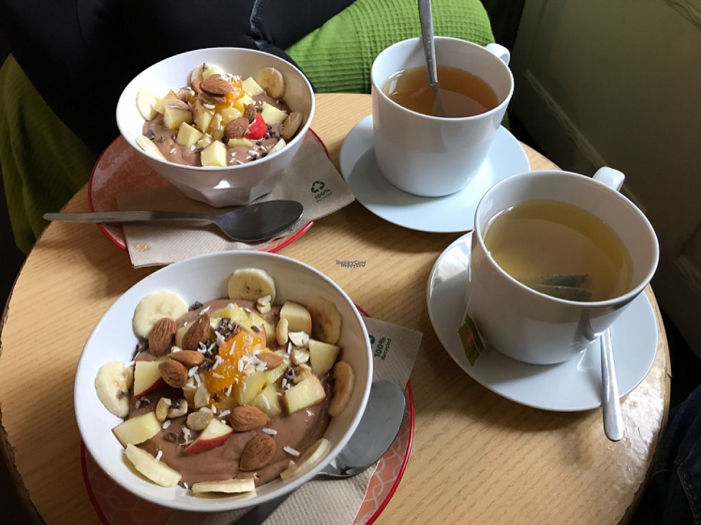 """Photo of nimmersatt  by <a href=""""/members/profile/purplehedgehog"""">purplehedgehog</a> <br/>Delicious smoothie bowls!  <br/> April 27, 2017  - <a href='/contact/abuse/image/59244/253167'>Report</a>"""