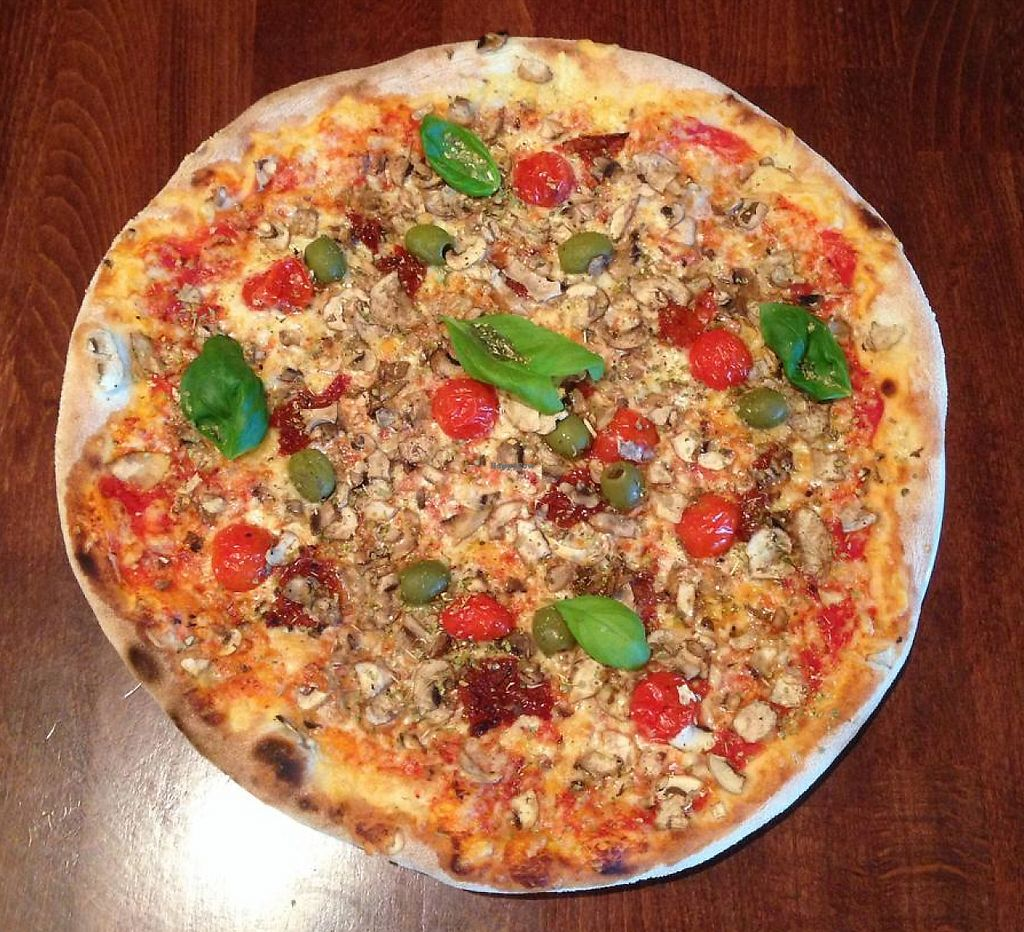 """Photo of Tottapizza  by <a href=""""/members/profile/tottapizza"""">tottapizza</a> <br/>Pizza PALERMO with basil  pelati, cheese, cherry&dried tomatoe, olives, champignons, origano, basil  All vegetarian pizzas is possible to order with vegan cheese.      <br/> July 21, 2015  - <a href='/contact/abuse/image/59303/243834'>Report</a>"""