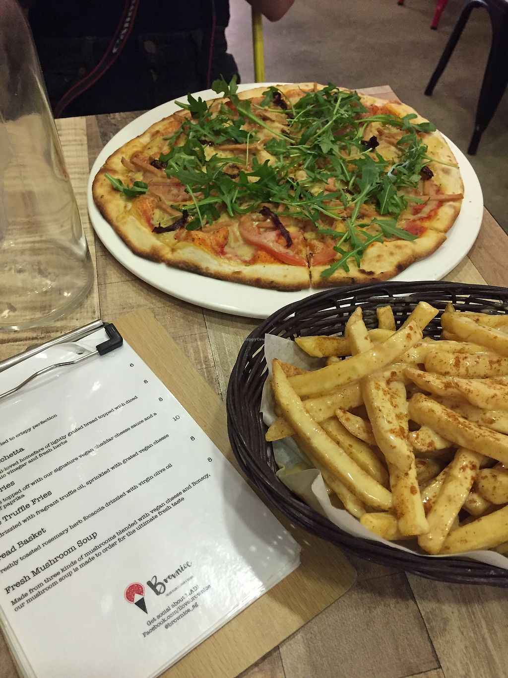 "Photo of Brownice Italian Bistro  by <a href=""/members/profile/meislnicoline"">meislnicoline</a> <br/>Vegan pizza and cheese fries  <br/> April 12, 2018  - <a href='/contact/abuse/image/59333/384277'>Report</a>"