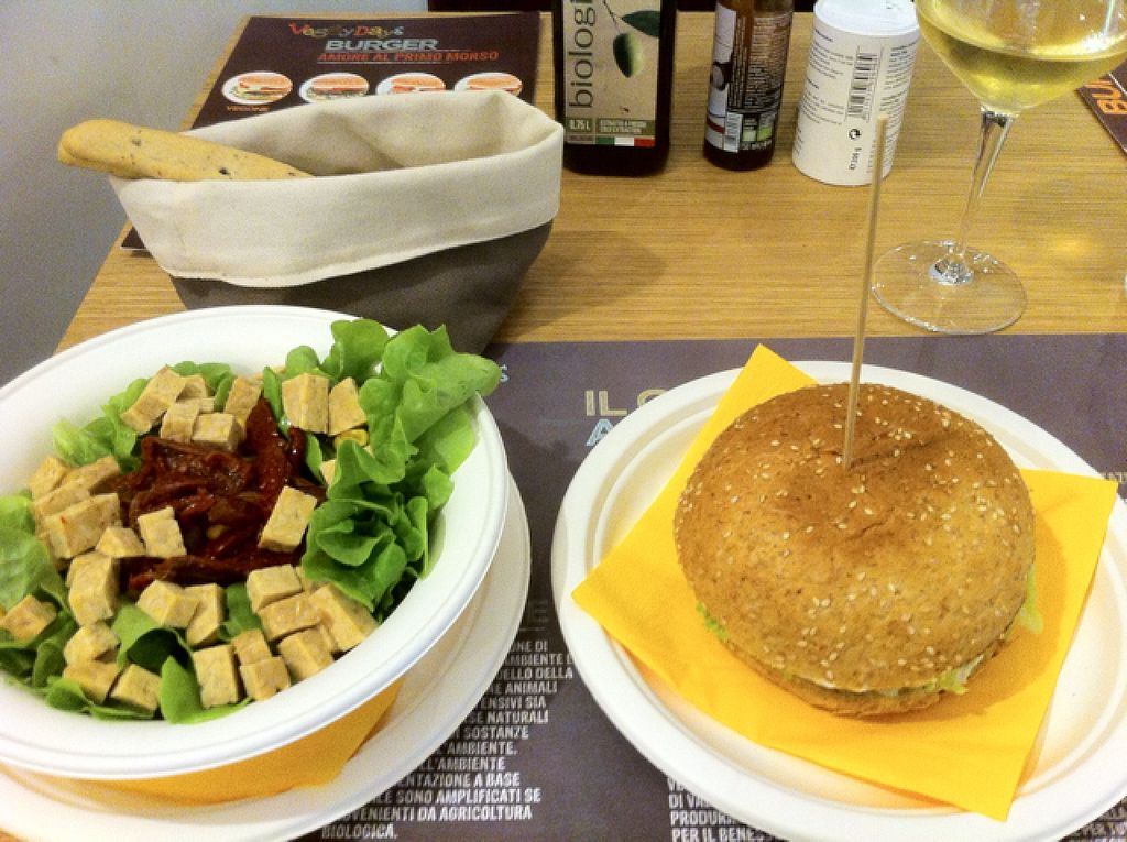 """Photo of CLOSED: Veggy Days  by <a href=""""/members/profile/Maiskeks"""">Maiskeks</a> <br/>Salad and Spinach Burger <br/> September 27, 2015  - <a href='/contact/abuse/image/59457/119380'>Report</a>"""