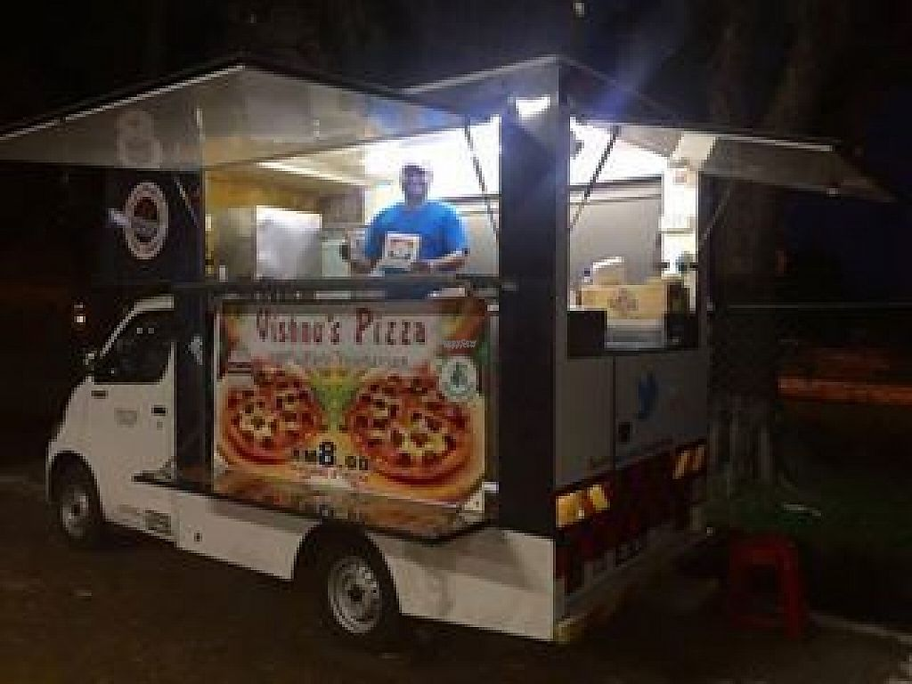 Photo of Vishnu's Pizza Food Truck  by Raphael_Dane <br/>food truck <br/> March 29, 2017  - <a href='/contact/abuse/image/59481/242341'>Report</a>