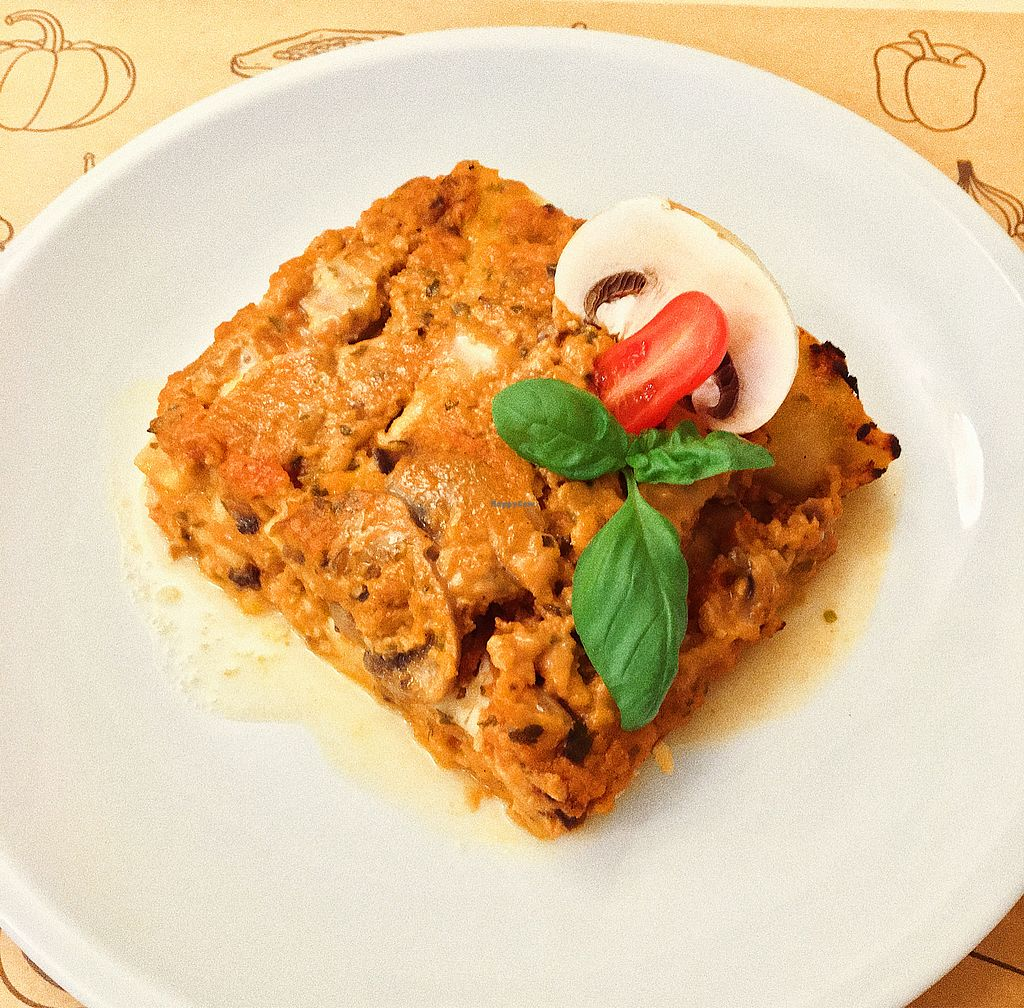 "Photo of Universo Vegano - Solferino  by <a href=""/members/profile/NahSingh"">NahSingh</a> <br/>Vegan lasagna. It was linda cold and had no flavour <br/> November 14, 2017  - <a href='/contact/abuse/image/59508/325525'>Report</a>"