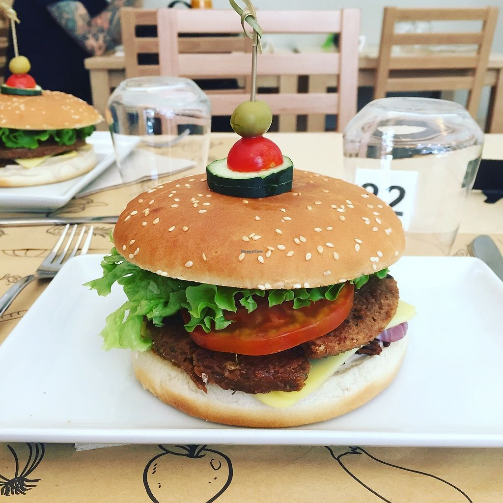 "Photo of Universo Vegano - Solferino  by <a href=""/members/profile/AnastaciaJanowska"">AnastaciaJanowska</a> <br/>Big Smoky Burger <br/> April 5, 2018  - <a href='/contact/abuse/image/59508/380976'>Report</a>"