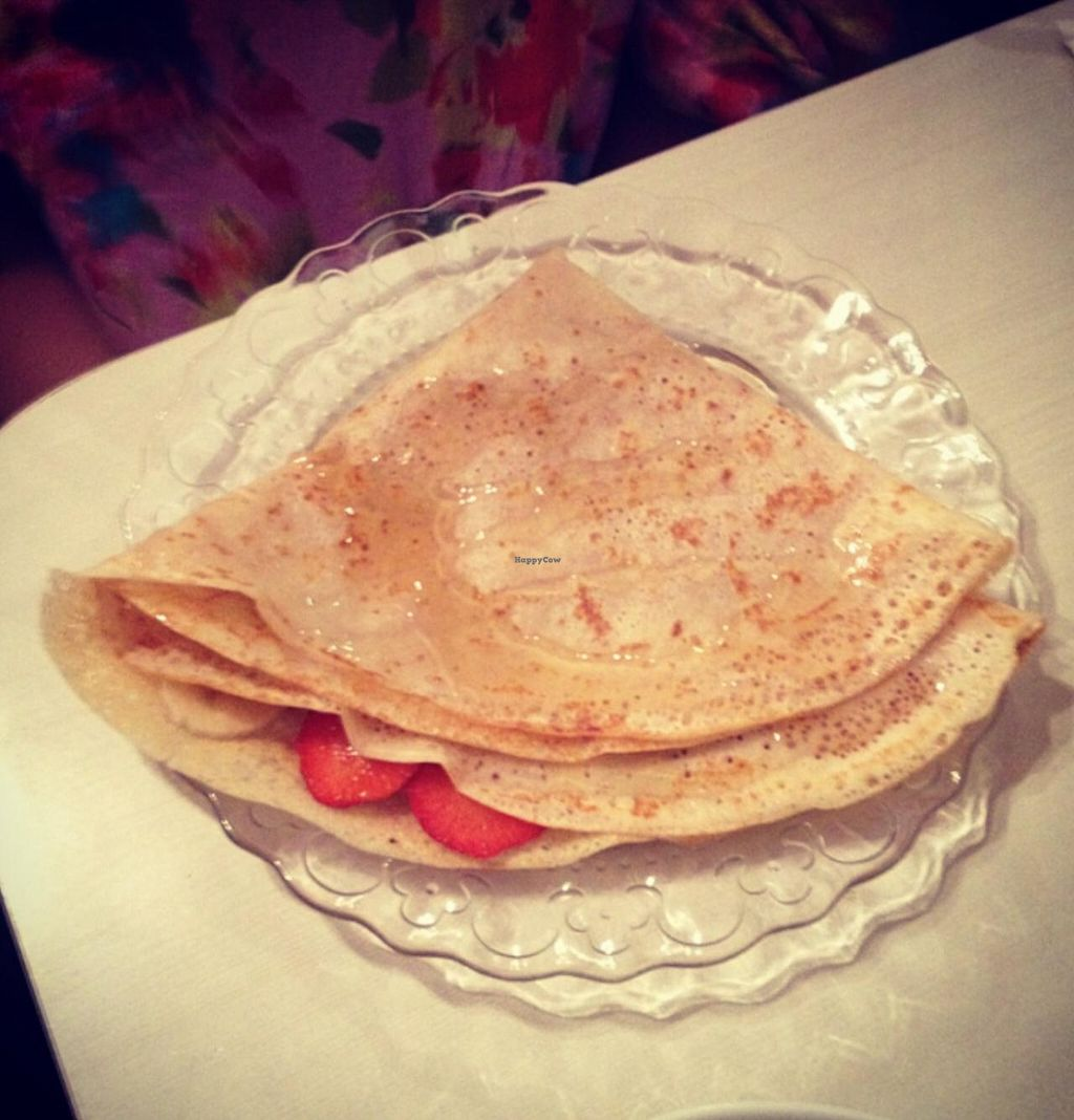 "Photo of Gaudi Bakery  by <a href=""/members/profile/kelwood13"">kelwood13</a> <br/>Banana, strawberry, and honey crepes <br/> June 22, 2015  - <a href='/contact/abuse/image/59683/106882'>Report</a>"
