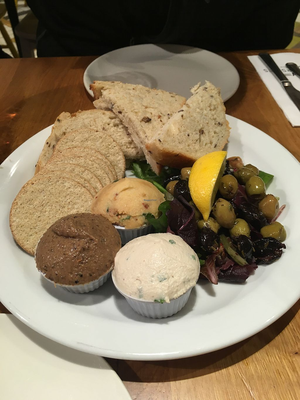 """Photo of Henderson's Vegan  by <a href=""""/members/profile/TheHealthyFoodfreak"""">TheHealthyFoodfreak</a> <br/>Vorspeise... Super leckeres Cashewmus-Aufstrich <br/> January 7, 2018  - <a href='/contact/abuse/image/59873/343996'>Report</a>"""