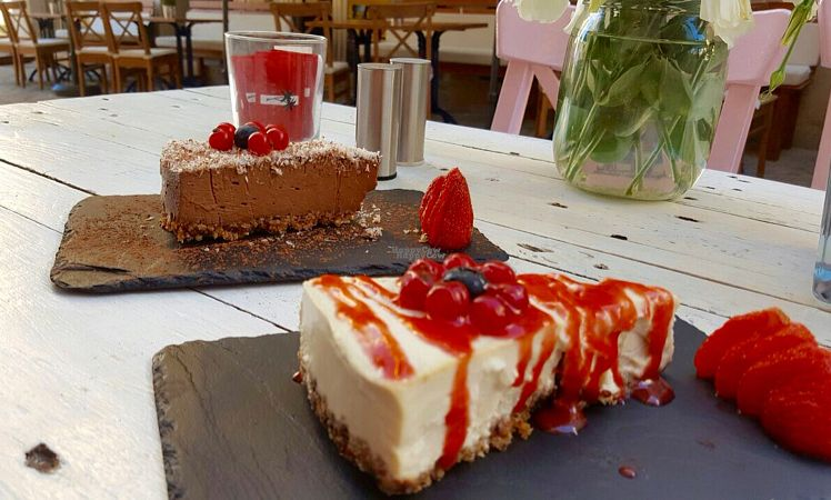 """Photo of CLOSED: Port Amore  by <a href=""""/members/profile/Borcher"""">Borcher</a> <br/>Tasty chocolat cake & Lemon pie. Lovely & 100% vegan <br/> September 20, 2016  - <a href='/contact/abuse/image/59914/176993'>Report</a>"""