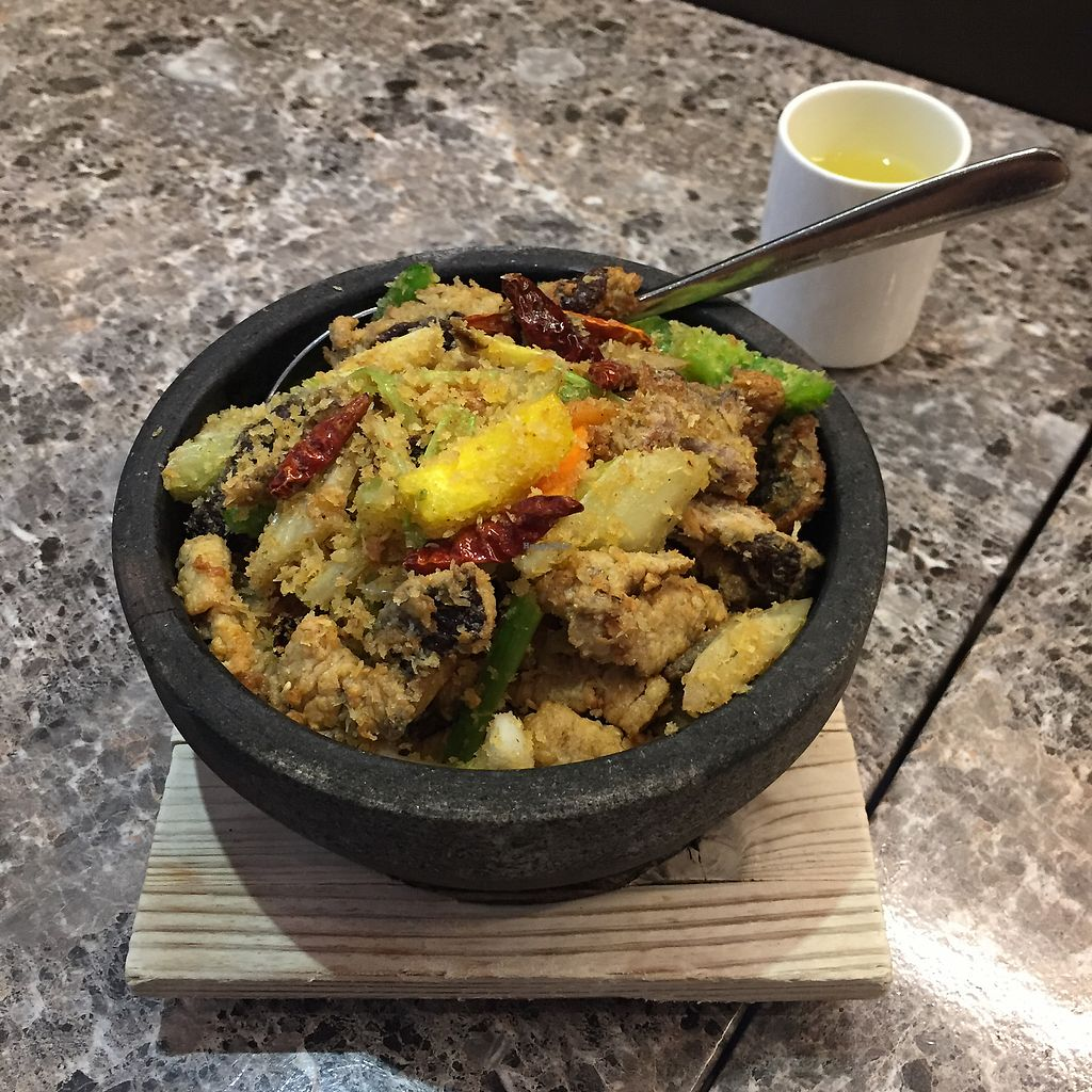 "Photo of Green Veggie - Wan Chai  by <a href=""/members/profile/Bobozmom"">Bobozmom</a> <br/>spicy chili mushroom pot <br/> August 30, 2017  - <a href='/contact/abuse/image/60009/298974'>Report</a>"