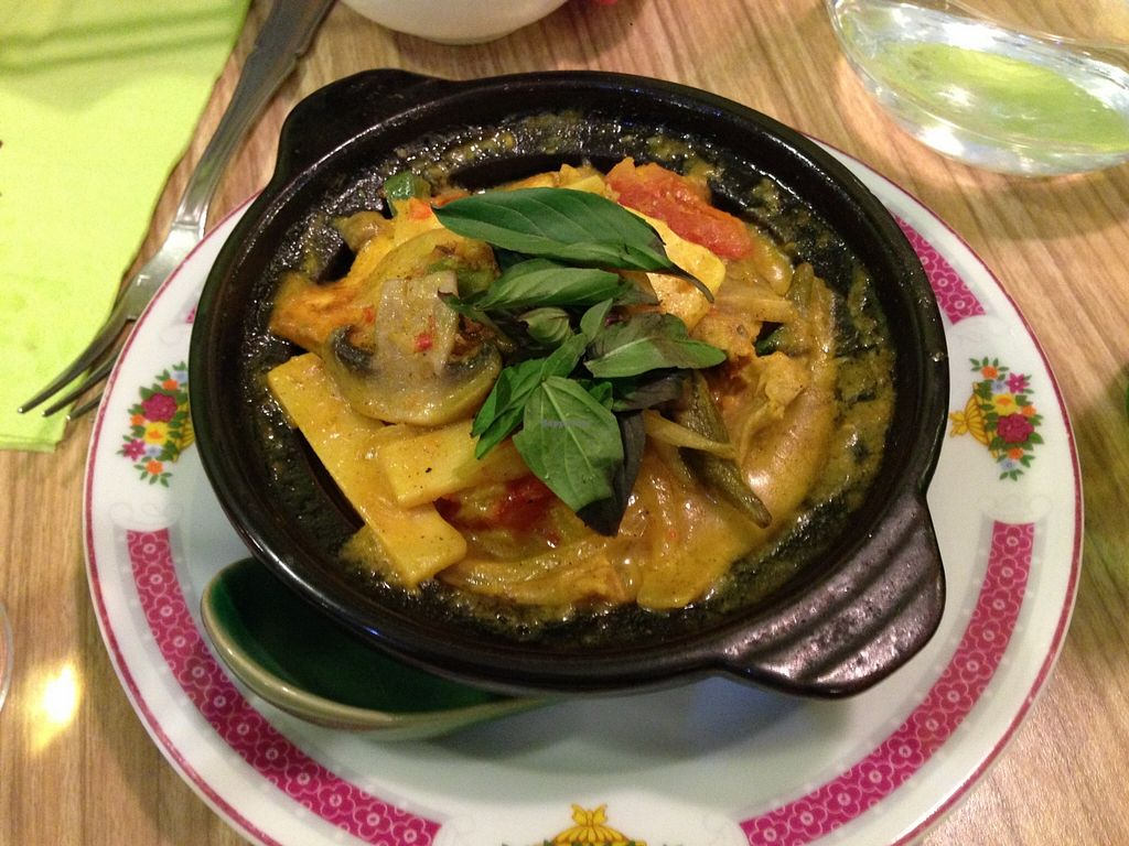 "Photo of Vege Saveurs  by <a href=""/members/profile/uomotofu"">uomotofu</a> <br/>VégéSaveurs 4 - Marmite de curry <br/> February 6, 2016  - <a href='/contact/abuse/image/60048/135219'>Report</a>"
