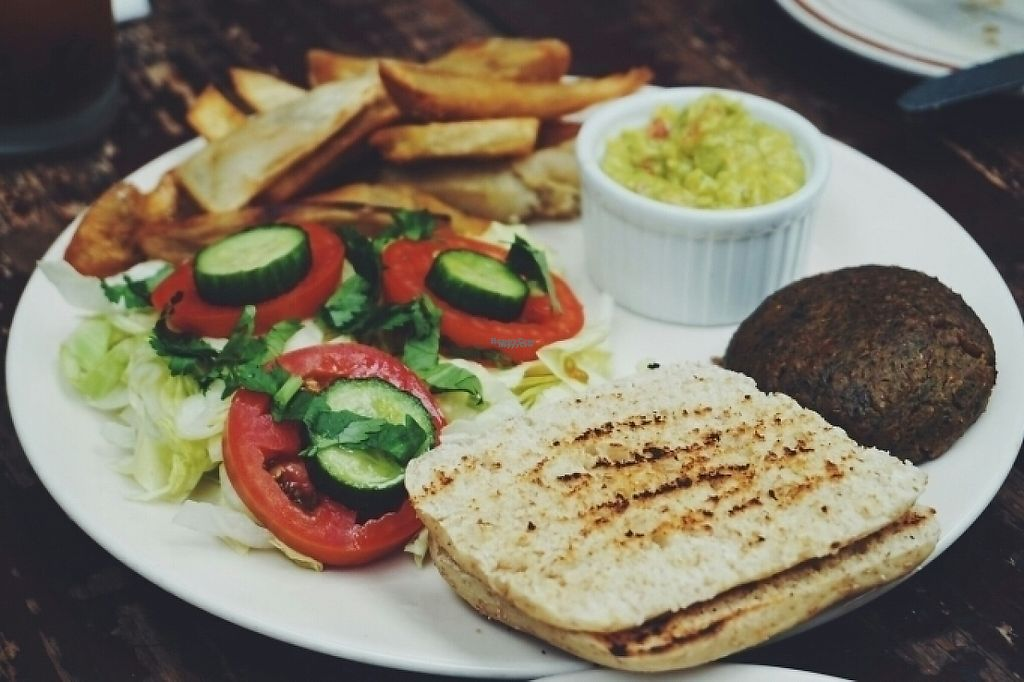 """Photo of Papaupa  by <a href=""""/members/profile/VeganaDominicana"""">VeganaDominicana</a> <br/>Platanoburguer <br/> April 23, 2017  - <a href='/contact/abuse/image/60140/251502'>Report</a>"""