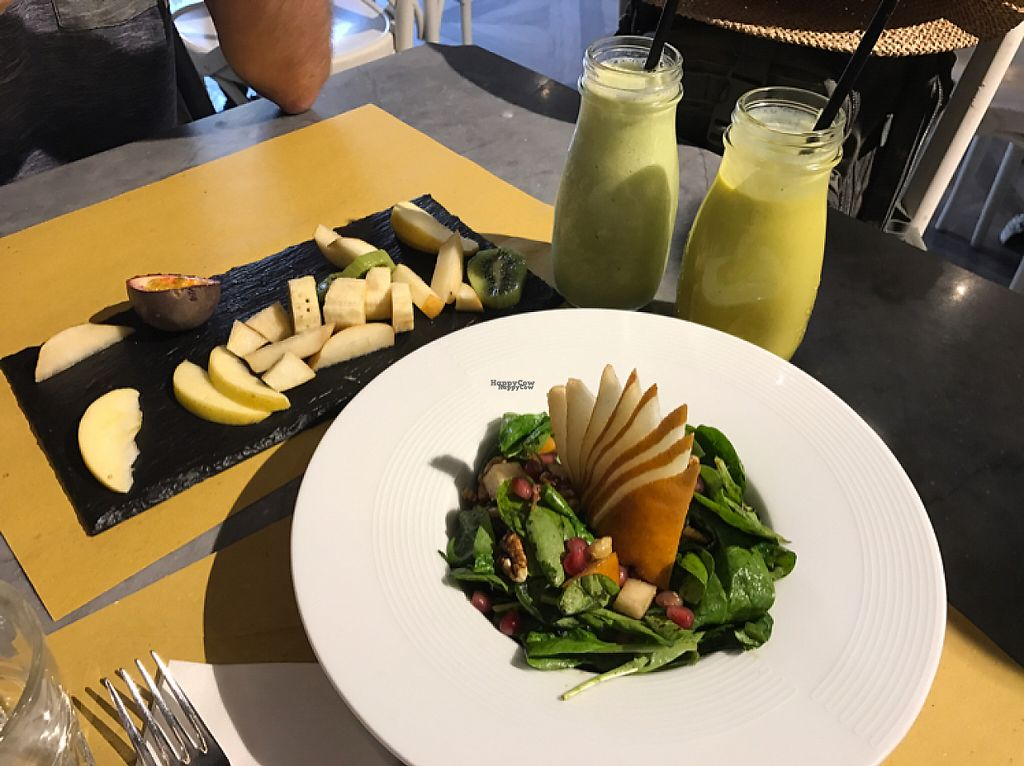 "Photo of Buddy Italian Restaurant Cafe  by <a href=""/members/profile/YohanaGenova"">YohanaGenova</a> <br/>partially eaten fruit plate , smoothies and antioxidant salad <br/> March 13, 2017  - <a href='/contact/abuse/image/60247/235961'>Report</a>"
