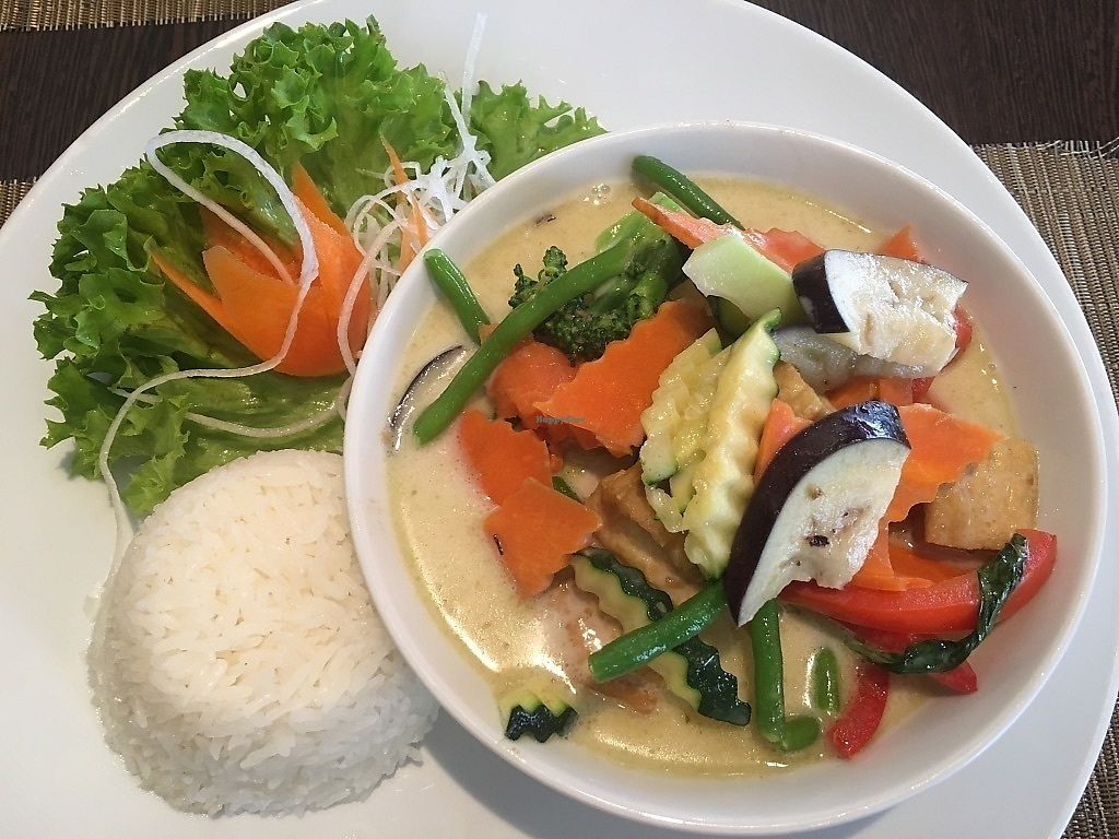 "Photo of Savory Chay  by <a href=""/members/profile/SP"">SP</a> <br/>yummy yellow curry with crisp veggies and some tofu <br/> June 30, 2017  - <a href='/contact/abuse/image/60286/275023'>Report</a>"