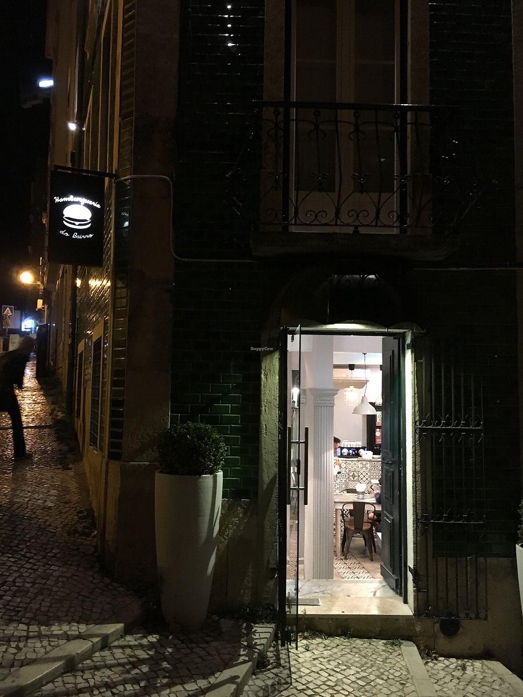 """Photo of Hamburgueria do Bairro - Abarracamento  by <a href=""""/members/profile/hack_man"""">hack_man</a> <br/>Outside at night  <br/> September 10, 2017  - <a href='/contact/abuse/image/60316/303133'>Report</a>"""