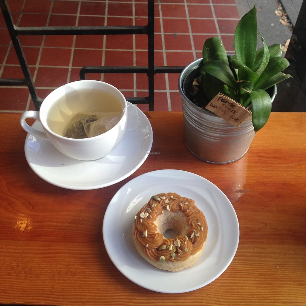 "Photo of Cartems Donuterie - Main St  by <a href=""/members/profile/ohstephyy"">ohstephyy</a> <br/>Seasonal pumpkin spiced vegan donut, and an earl grey tea <br/> October 18, 2015  - <a href='/contact/abuse/image/60328/121742'>Report</a>"