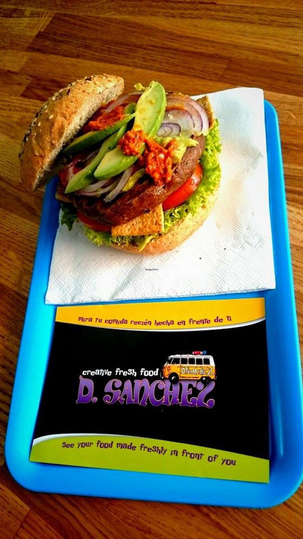 "Photo of D.Sanchez Fresh Food  by <a href=""/members/profile/D.Sanchez%20VPower"">D.Sanchez VPower</a> <br/>VEGAN BURGER, QUINOA BURGER, AVOCADO, HOT SANCHEZ SALSA xXx, LETTUCE, TOFU, TOMATE, FRESH RED ONION!  <br/> July 8, 2015  - <a href='/contact/abuse/image/60375/108630'>Report</a>"