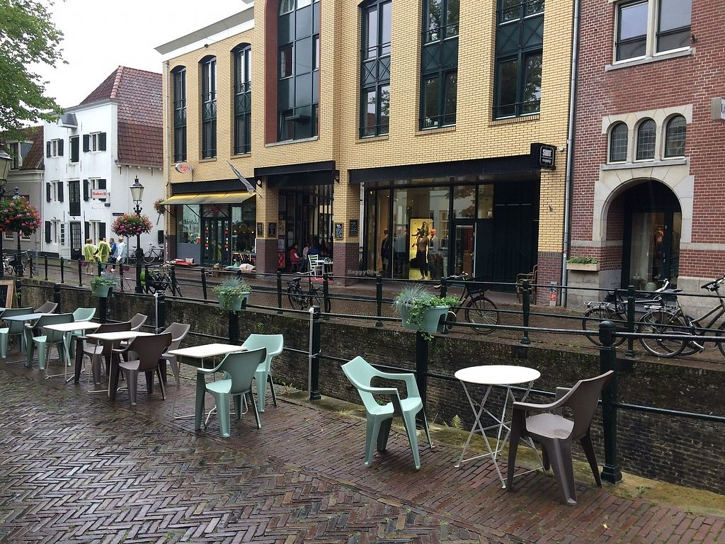 """Photo of SEM Sla En Meer  by <a href=""""/members/profile/Mawu"""">Mawu</a> <br/>You can sit outside by the canal <br/> August 1, 2017  - <a href='/contact/abuse/image/60425/287756'>Report</a>"""