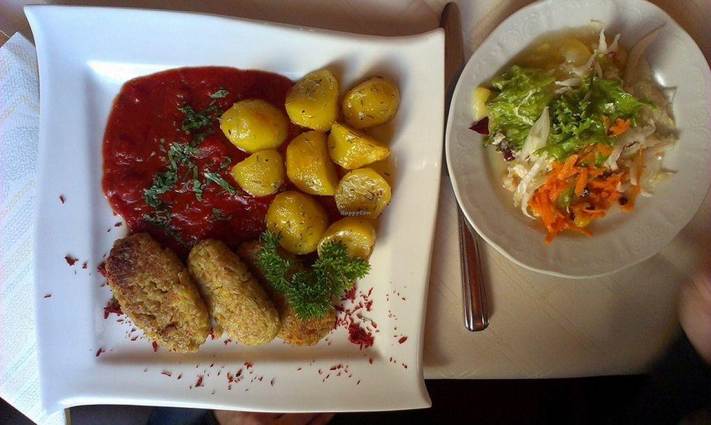 "Photo of Gasthof Riedl-Schoener  by <a href=""/members/profile/christa.fleck"">christa.fleck</a> <br/>Fried spelt-rice-loaf on tomato-basil-sauce with roasted rosemary-potatoes (Gebratene Dinkelreislaibchen auf Tomaten-Basilikumsauce mit gerösteten Rosmarin-Erdäpfel) <br/> December 5, 2015  - <a href='/contact/abuse/image/60452/127248'>Report</a>"