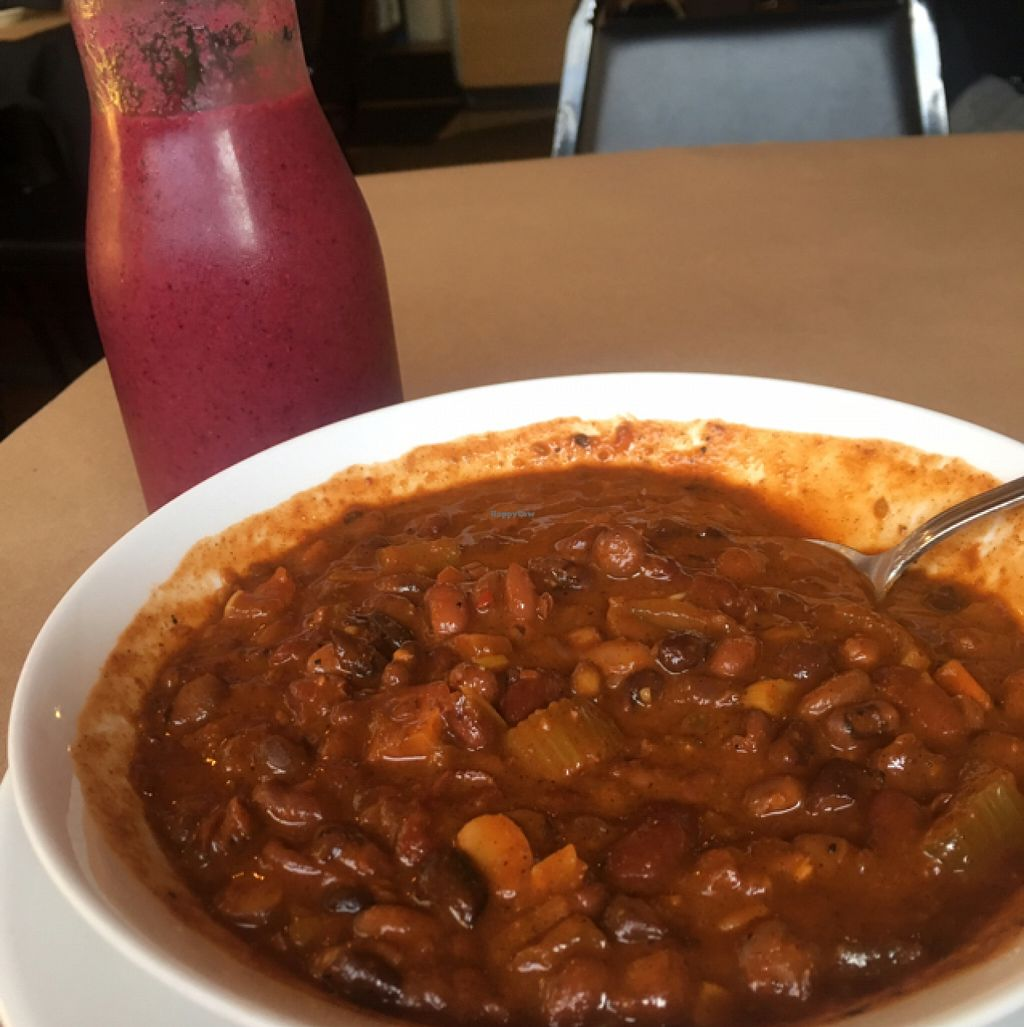 """Photo of 21 Oak  by <a href=""""/members/profile/Dadoofish"""">Dadoofish</a> <br/>Chilie and a berry smoothie. So good! <br/> June 8, 2016  - <a href='/contact/abuse/image/60480/153003'>Report</a>"""
