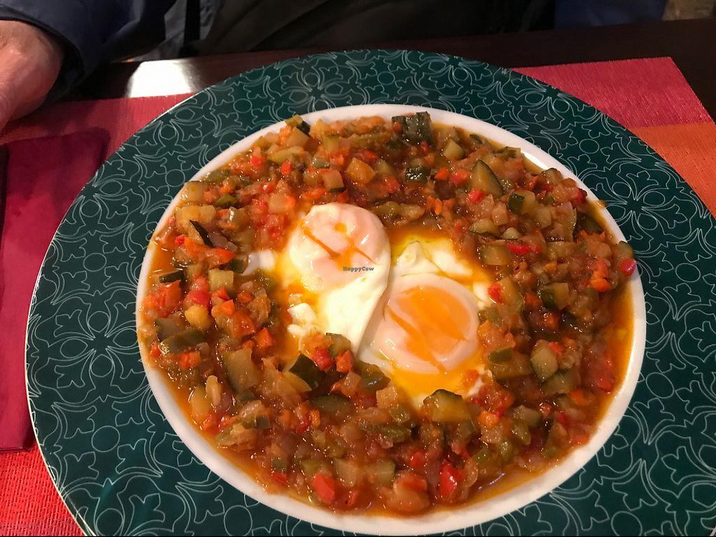 "Photo of A La Sombra de Un Sifon  by <a href=""/members/profile/utako.o"">utako.o</a> <br/>eggs & mixed veggies <br/> May 13, 2017  - <a href='/contact/abuse/image/60487/258352'>Report</a>"