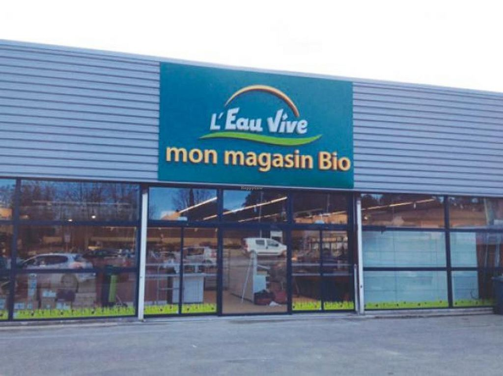 """Photo of L'Eau Vive  by <a href=""""/members/profile/community"""">community</a> <br/>L'Eau Vive <br/> July 13, 2015  - <a href='/contact/abuse/image/60546/109147'>Report</a>"""